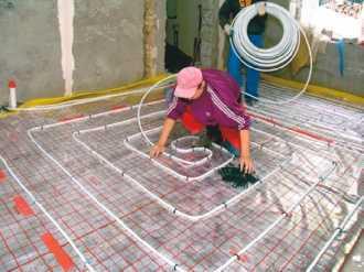 Ogrzewanie podłogowe – izolacja podłoża i wybór rur