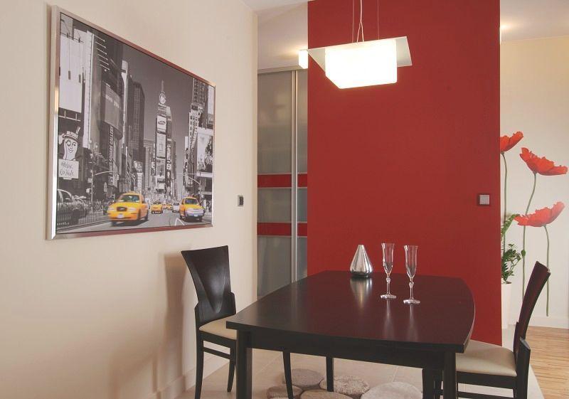 Galeria zdj malowanie cian 16 pomys w na kolory for Kolory scian w salonie