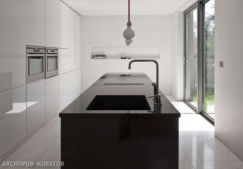 Galeria zdjęć  Czarno biała kuchnia  nowoczesne   -> Kuchnia Bialo Czarna Galeria