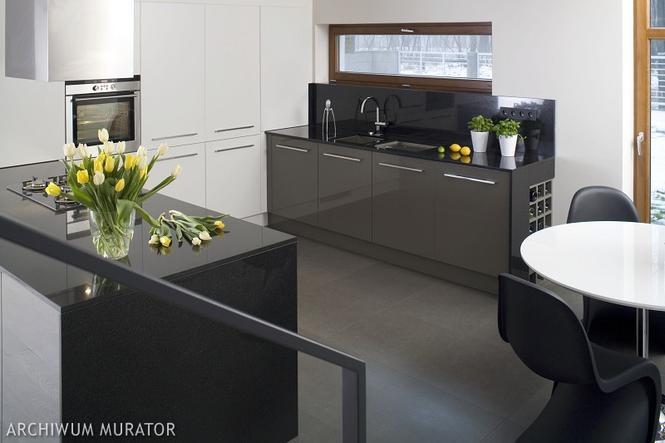 Czarno biała kuchnia  nowoczesne aranżacje białych kuchni