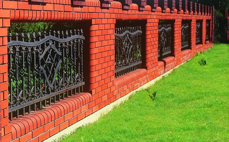 Ogrodzenia kute: galeria zdjęć pięknych ogrodzeń metalowych
