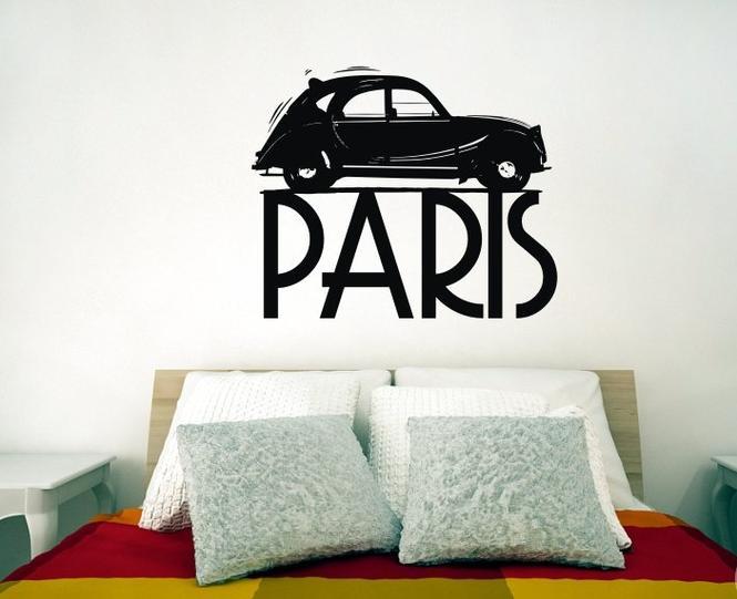 Naklejki dekoracyjne na ścianie w sypialni