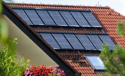 Od czego zależy efektywność kolektorów słonecznych?