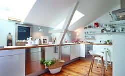 Efektywne doświetlanie poddasza. Jak dobrać okna dachowe do rozmiaru i rodzaju pomieszczenia?