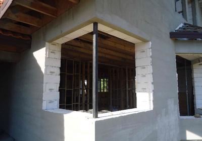 Czy beton komórkowy nadaje się do budowy ścian jednowarstwowych? W jaki sposób uzyskać ciepłą ścianę zewnętrzną?