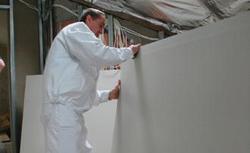 Jak budować ścianki działowe na poddaszu