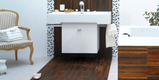 Czym zabezpieczyć drewnianą podłogę w łazience? PORADA