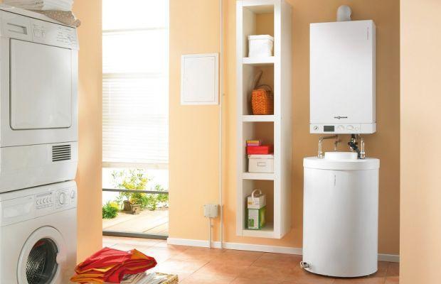 Ciepła woda z kotła, podgrzewacza, pompy ciepła czy ogrzewana kominkiem?