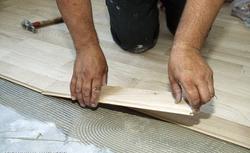 Koszt remontu i wykończenia podłogi. Ile trzeba zapłacić za robociznę